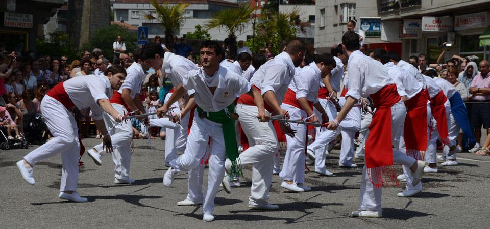 Fiestas de la Coca Danza de las espadas