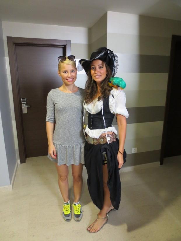 Soraya y Bibiana en el vestíbulo de Alvear Suites